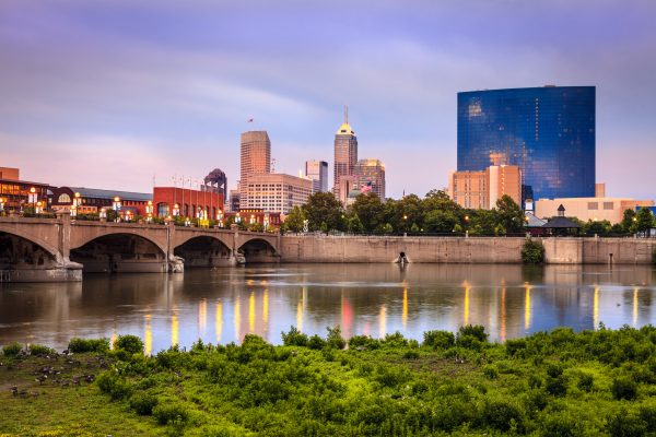 travel nursing locations - 15 places to see before you die - image of indiana skyline