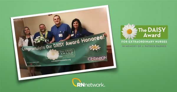 rnnetwork nurse wins daisy award - featured image of telemetry nurse scott carpenter and daisy award logo