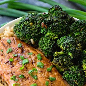 Teriyaki Salmon Broccoli Bowls