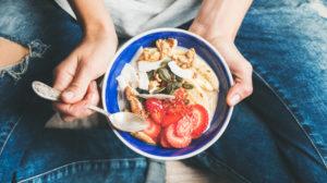 eating healthy as a travel nurse